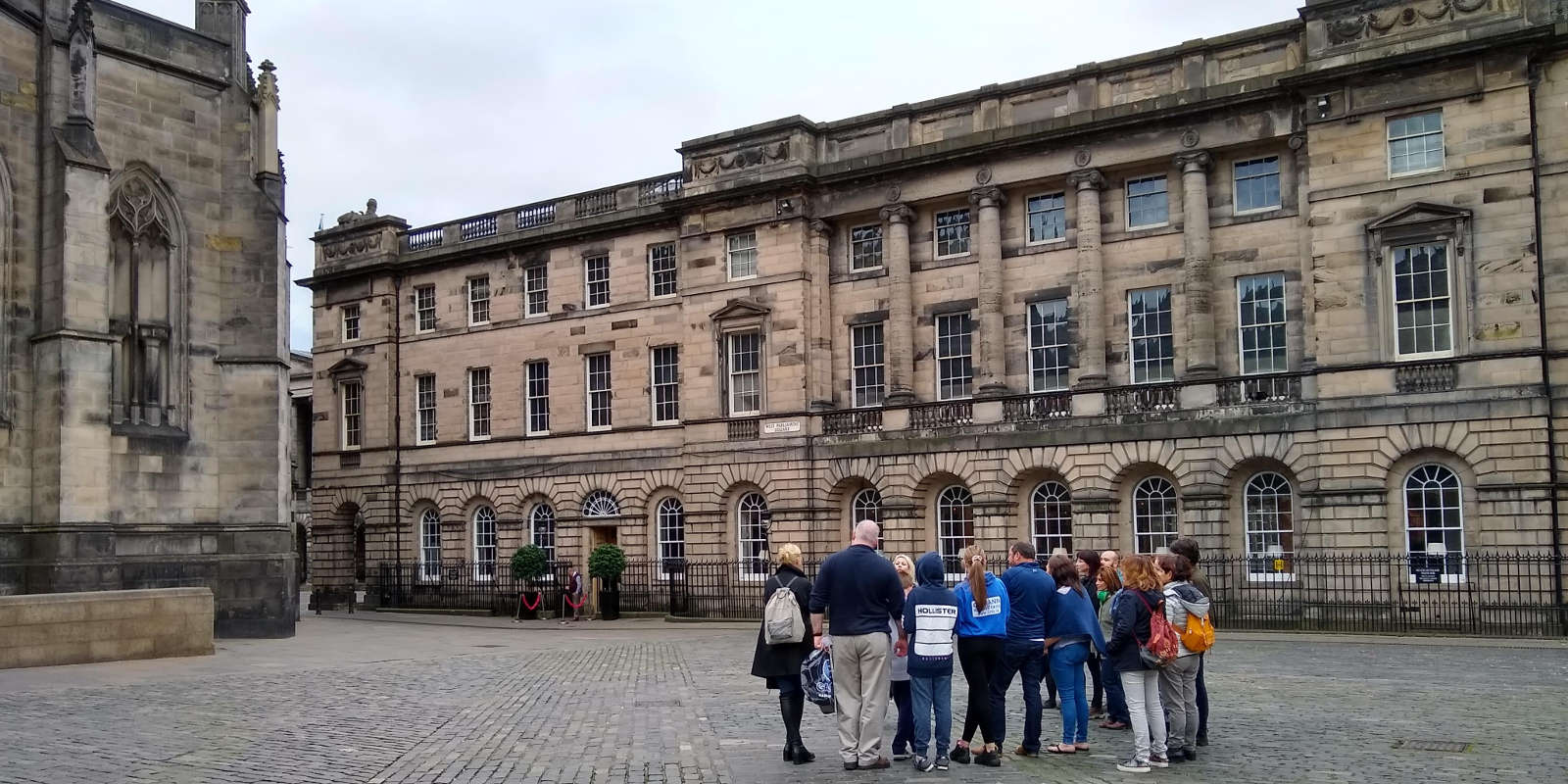 Tour group outside St Giles Cathedral in Edinburgh