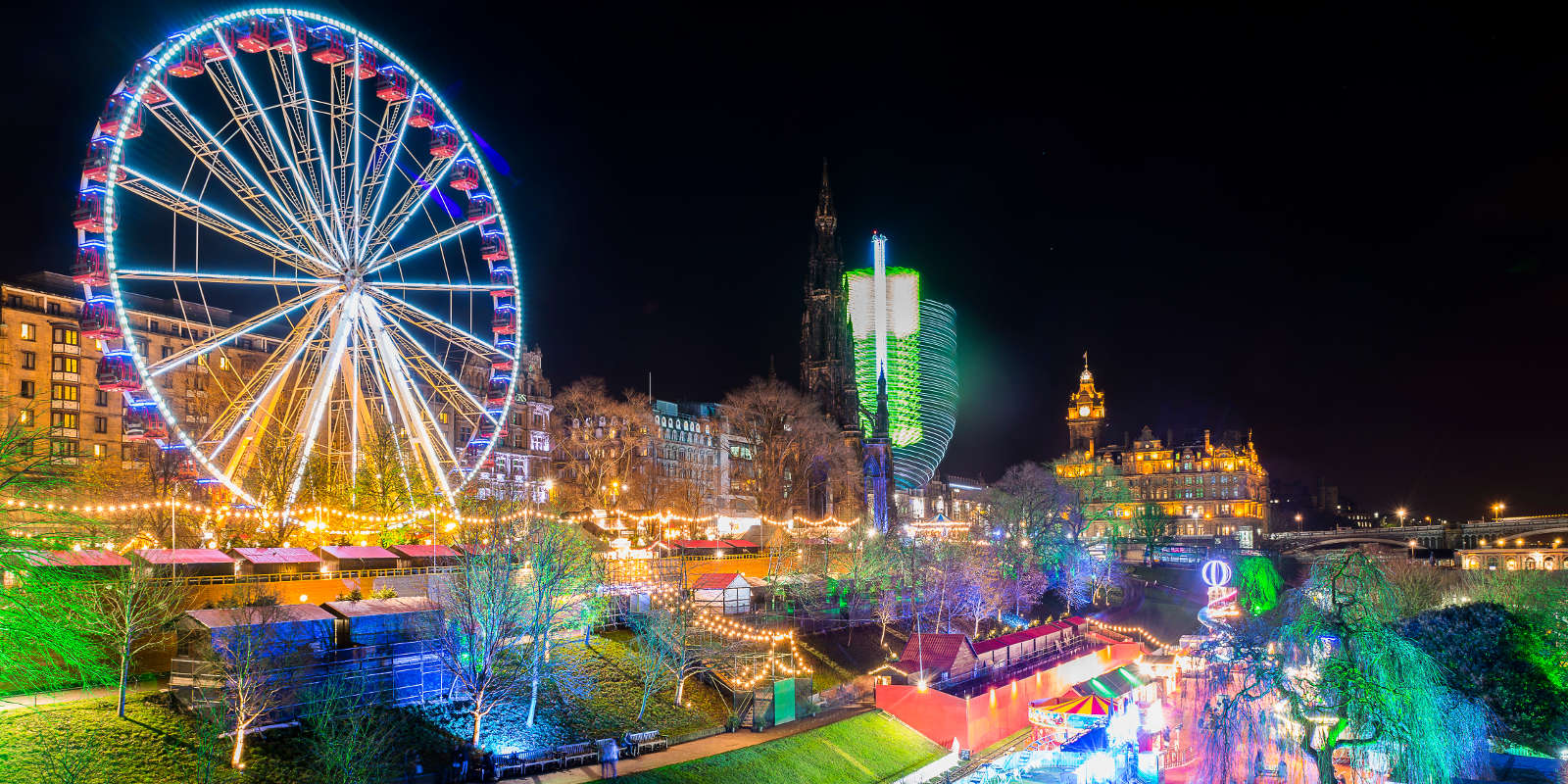 This image has an empty alt attribute; its file name is christmas-in-edinburgh.jpg