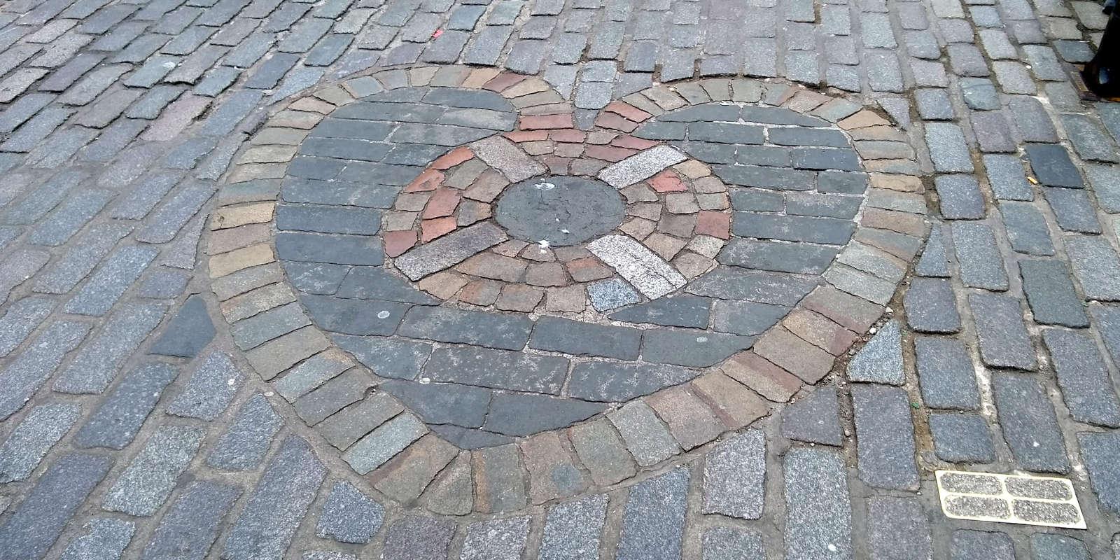 Heart shaped mosaic in Edinburgh