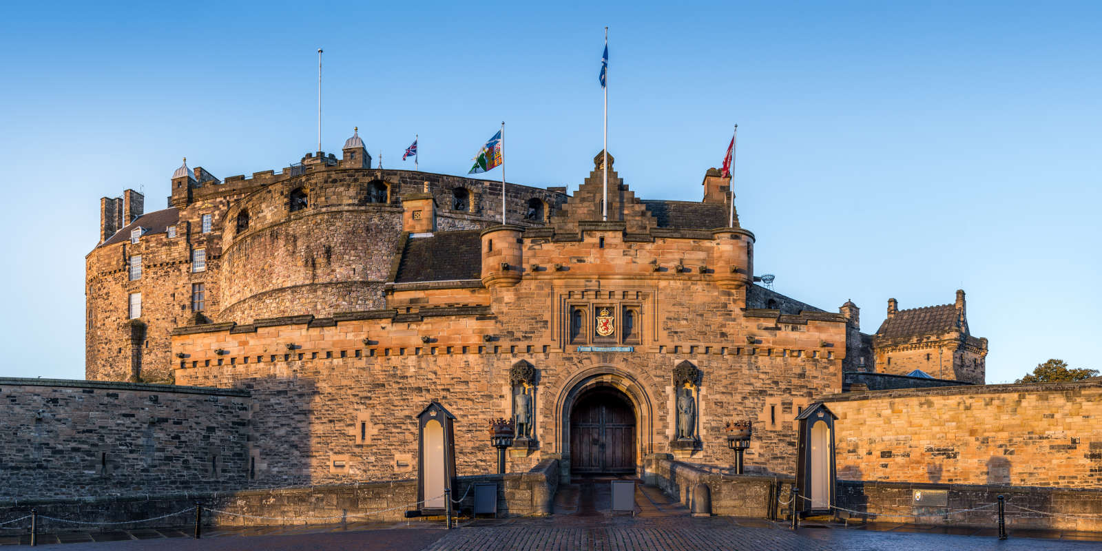 Front door view of Edinburgh Castle
