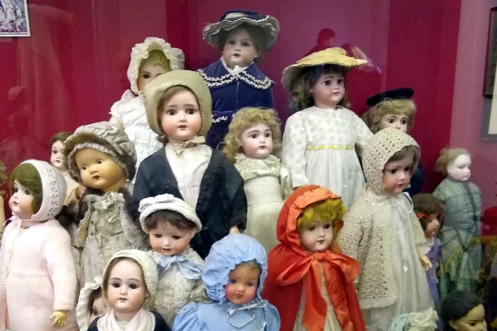 Old dolls collection in Museum of Childhood