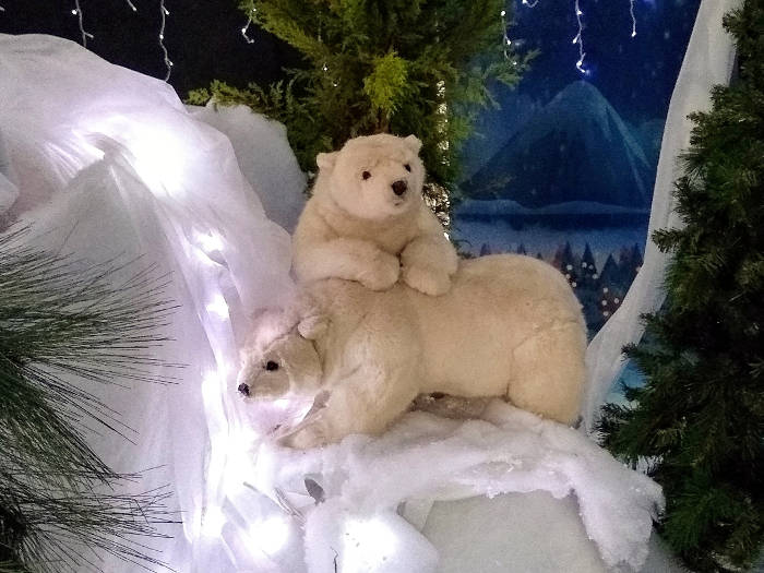 Models of Polar Bear Cubs